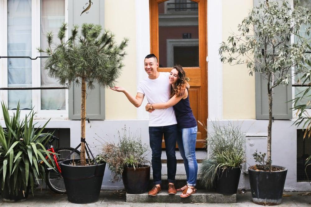 rue crémieux, 10-amandine-ropars-photographe-couple-paris-crémieux