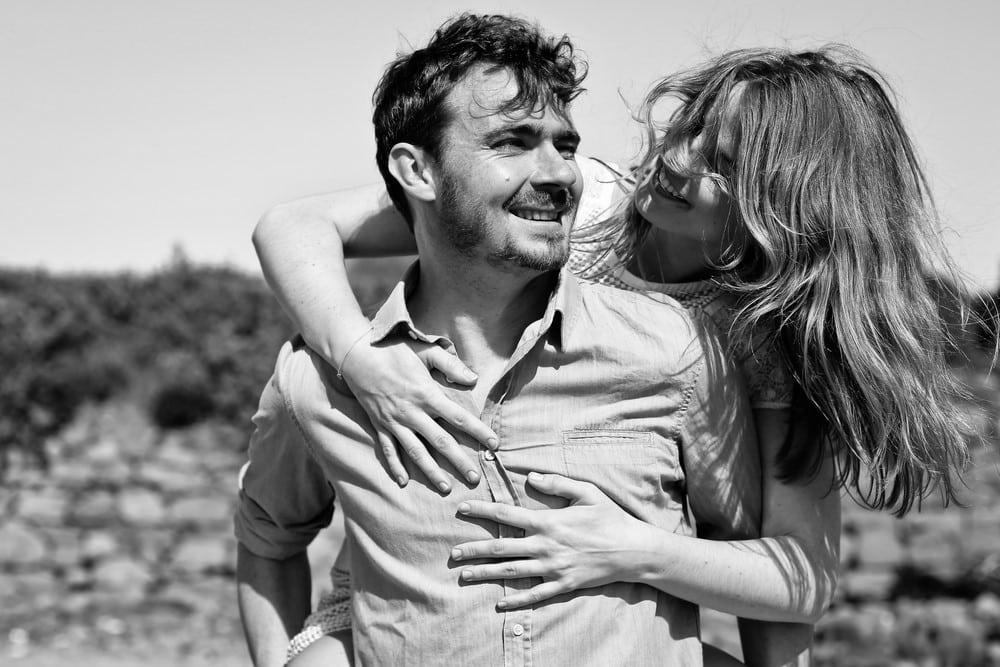 10-amandine-ropars-photographe-couple-bretagne-ile-brehat