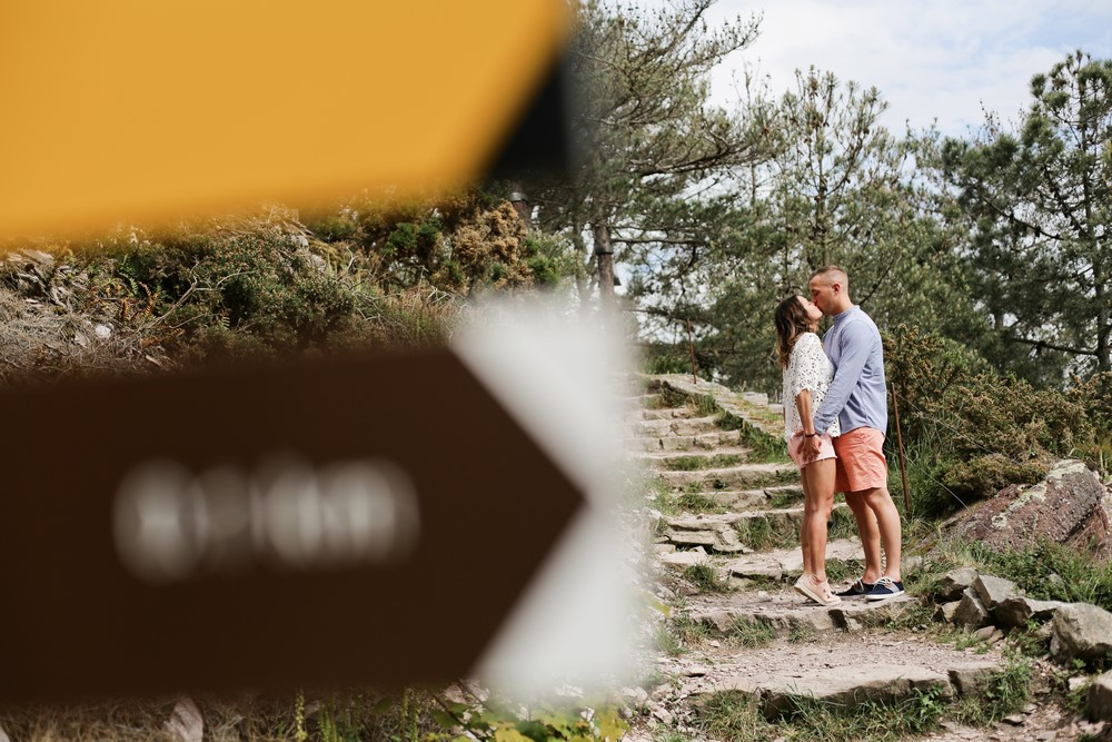 30-seance-couple-engagement-photographe-bretagne-mer-erquy