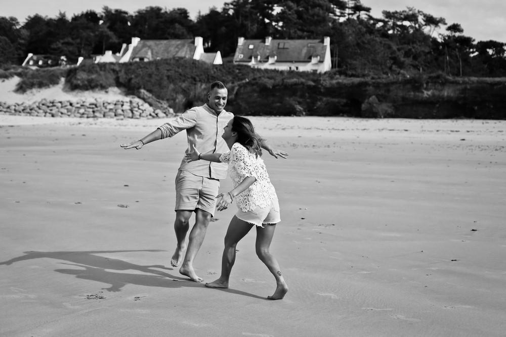 46-seance-couple-engagement-photographe-bretagne-mer-erquy
