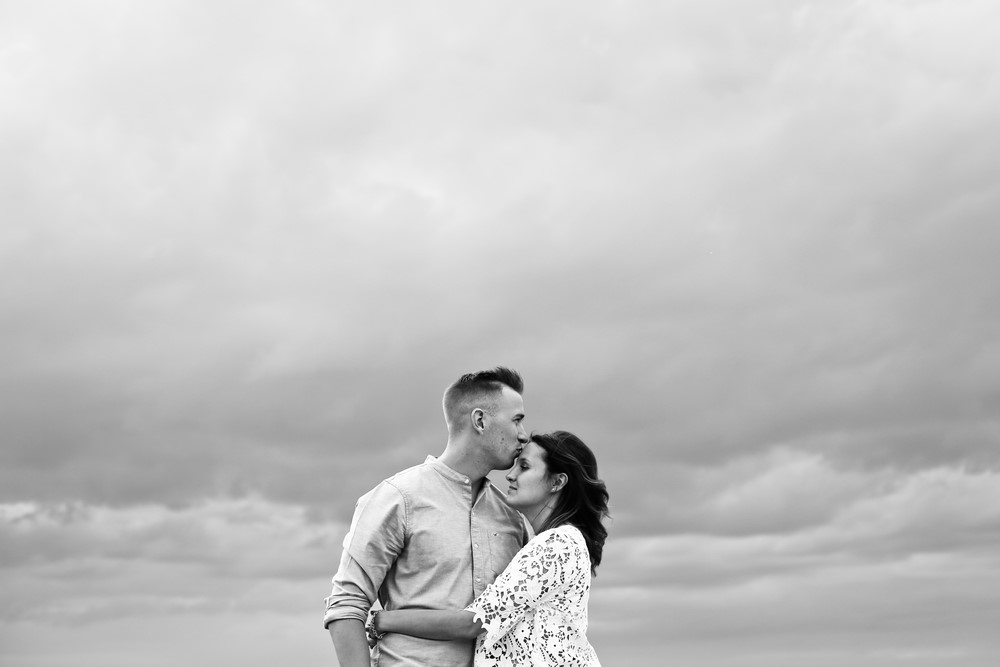 59-seance-couple-engagement-photographe-bretagne-mer-erquy