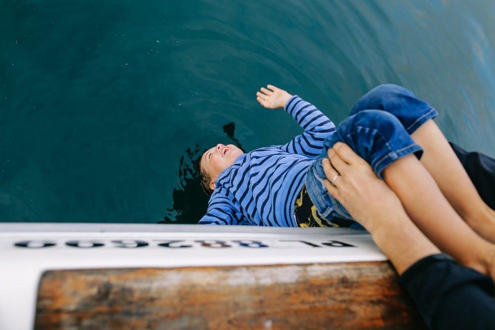 049-séance-famille-sur-un-bateau-bretagne (Copier)