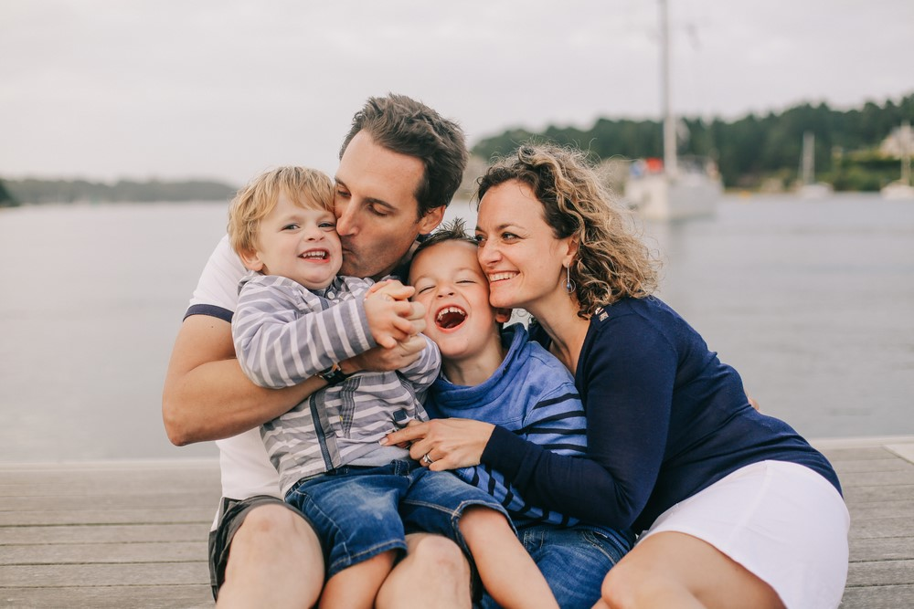 057-séance-famille-sur-un-bateau-bretagne (Copier)