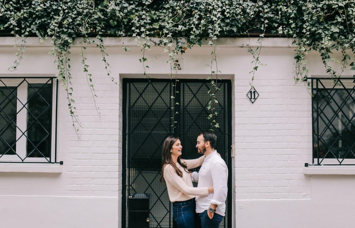 02-seance-photo-couple-engagement-paris-1200x770