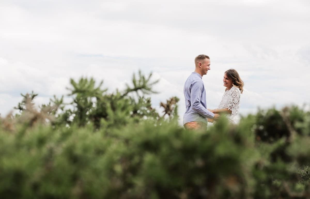 12-seance-photo-couple-engagement-bretagne-1200x770