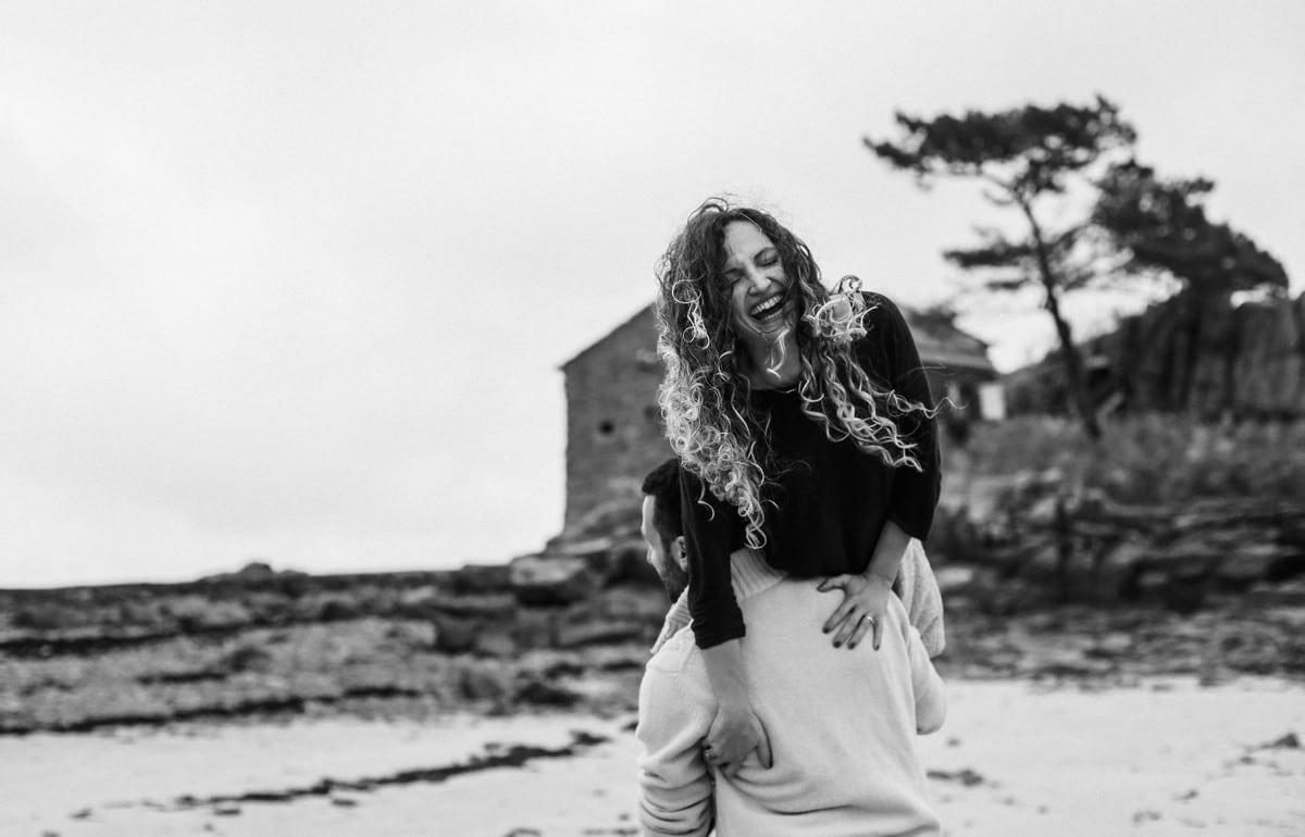 19-seance-photo-couple-engagement-bretagne-1200x770