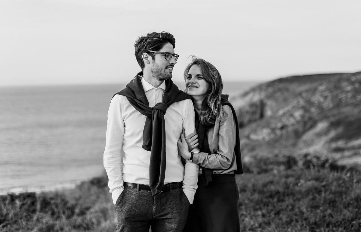 31-seance-photo-couple-engagement-bretagne-1200x770