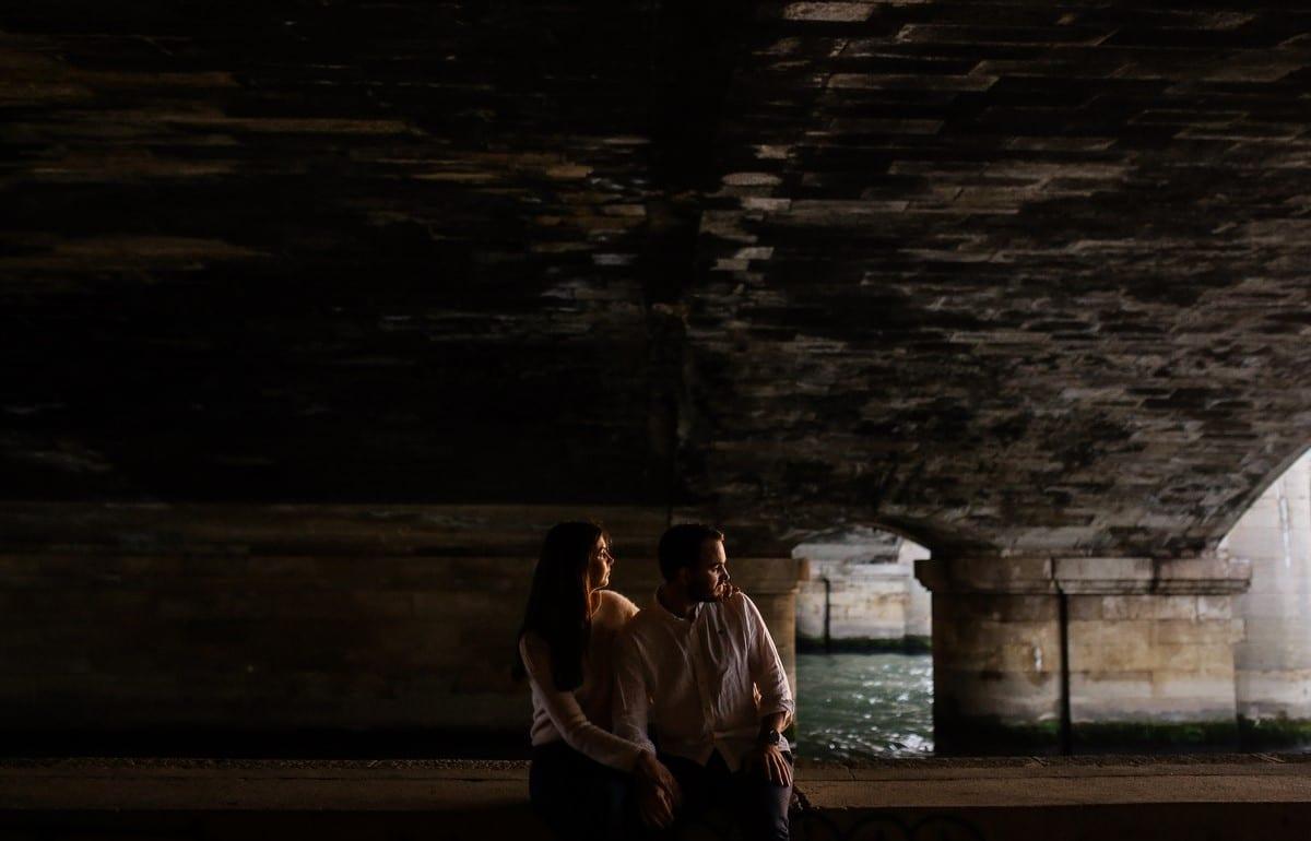 36-seance-photo-couple-engagement-paris-1200x770