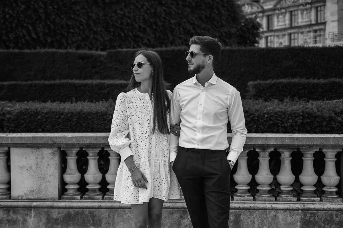 036-photographe-seance-engagement-paris-louvre